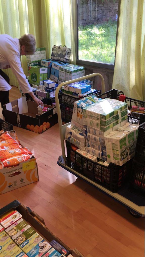 Colaboración del Club de Leones con Caritas: Dos toneladas de Generosidad