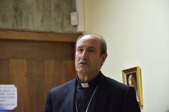 El obispo auxiliar, con Cáritas de Santa Cruz