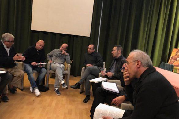 Encuentro de párrocos y seminaristas